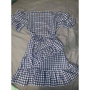 Dresses & Skirts - adorable boutique gingham dress!